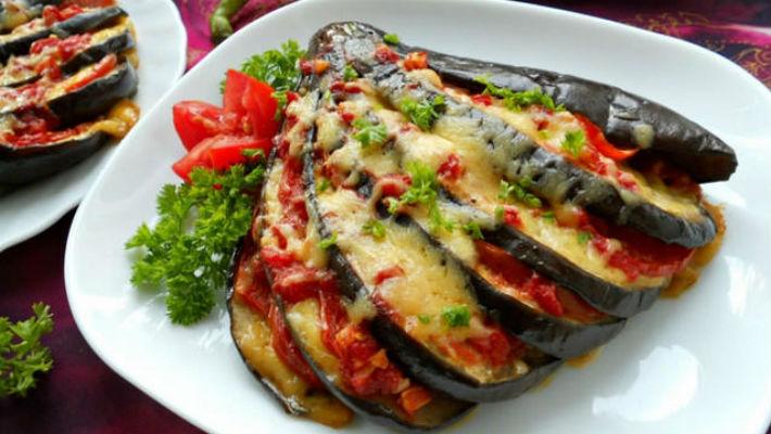 Баклажаны запеченные в духовке с помидорами и сыром рецепт с пошагово