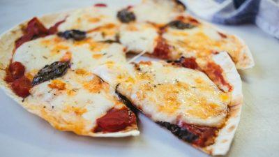 Пицца Маргарита из лаваша