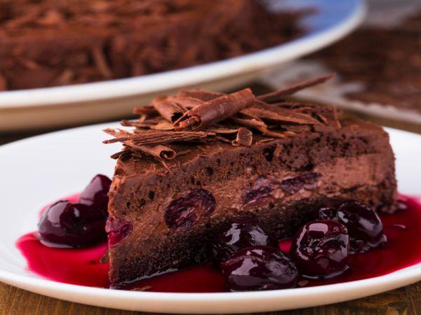 Пирог с вишней шоколадный
